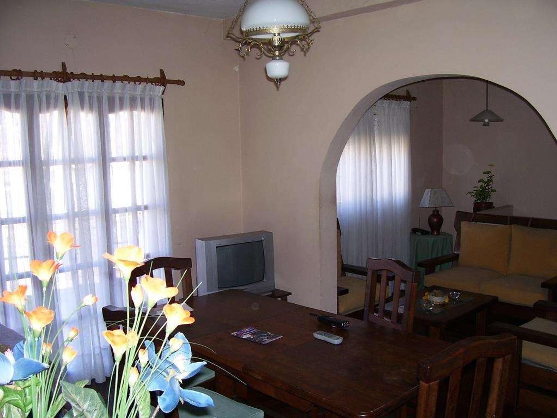 Casa en Venta - 8 ambientes - USD 125.000
