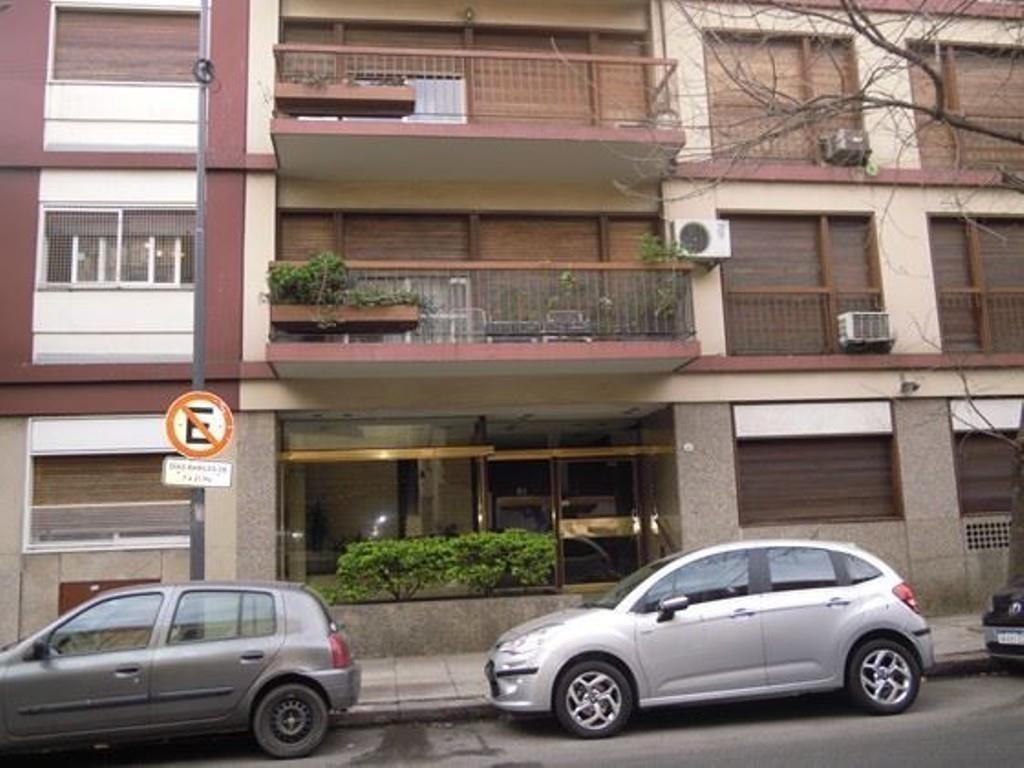 4 AMBIENTES CON DEPENDENCIAS EN VENTA EN FLORESTA - PISO DE 124 m2 -