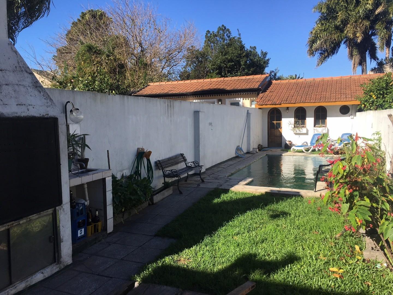 Casa en Alquiler en Martinez - 4 ambientes