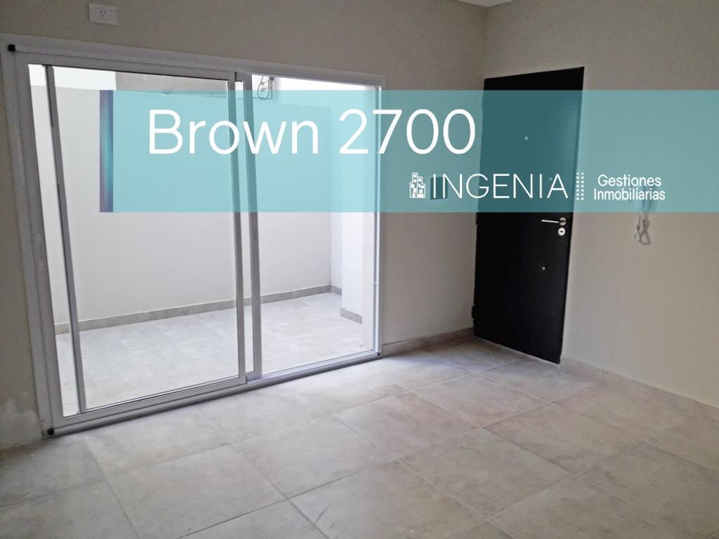 Monoambiente de 34m2 con patio en Brown y Ov. Lagos