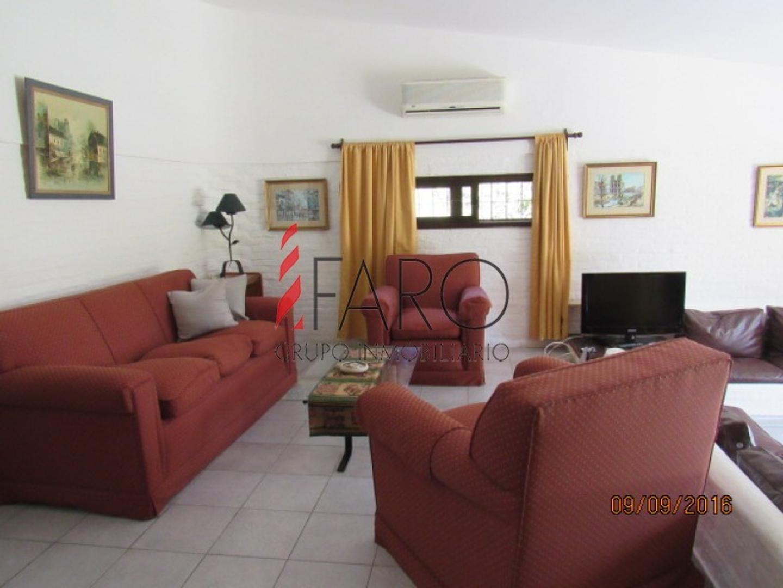 Casa en Venta - 5 ambientes - USD 360.000