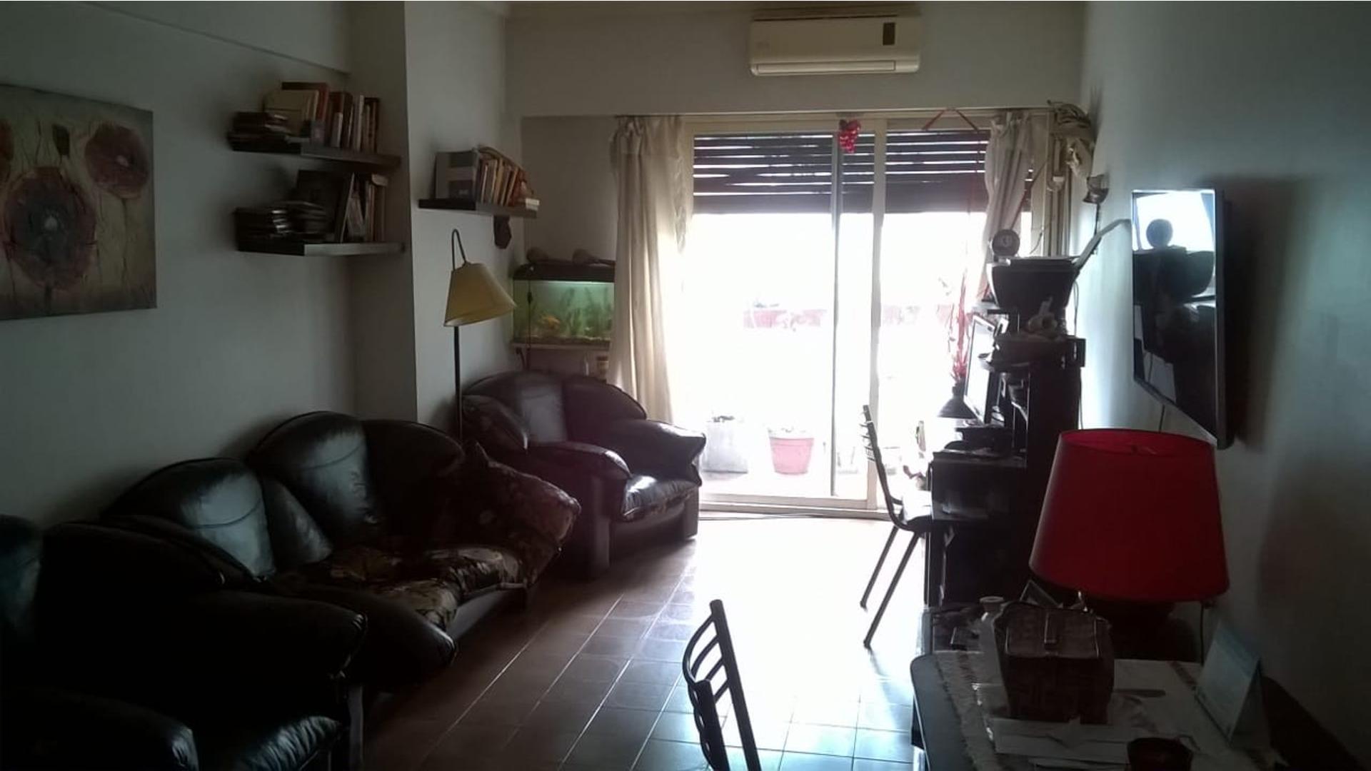 Muy buen 3 ambientes en edificio en esquina - 2 Balcones - Todo externo