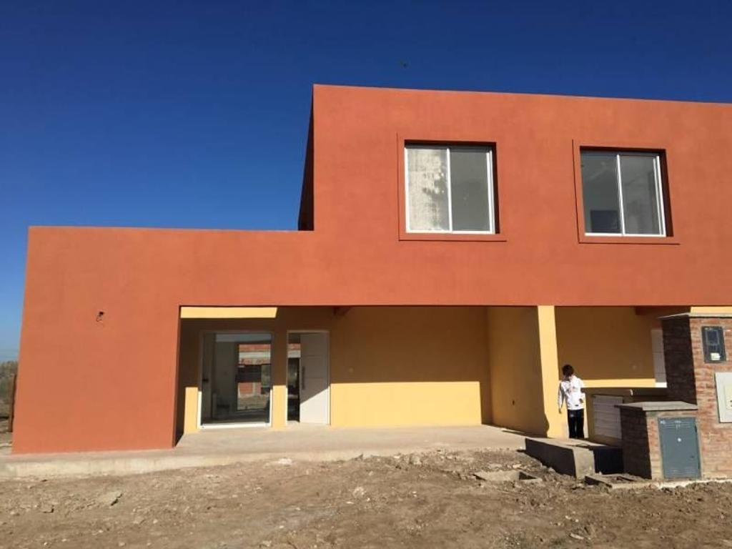 Casa en alquiler en italia 5000 tigre argenprop for Casas de alquiler en
