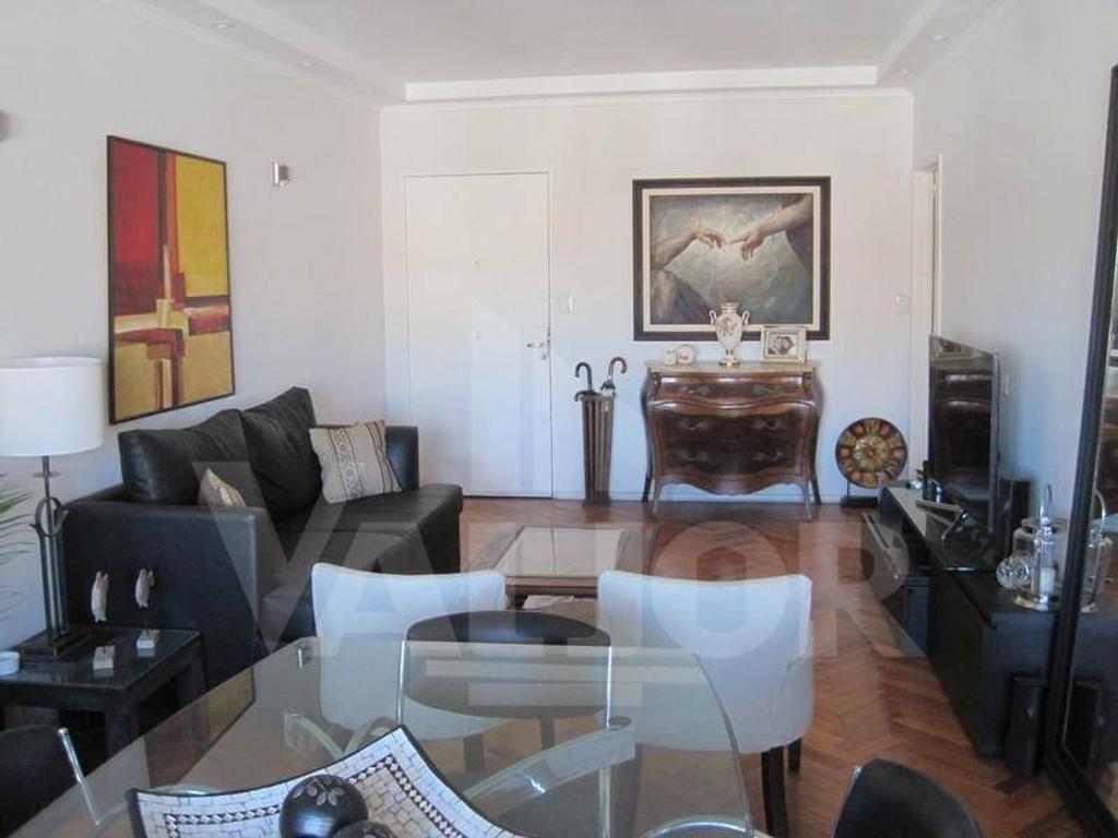 Av Cabildo 2200, Dpto. de 3 ambientes con dependencia, con balcón y baulera