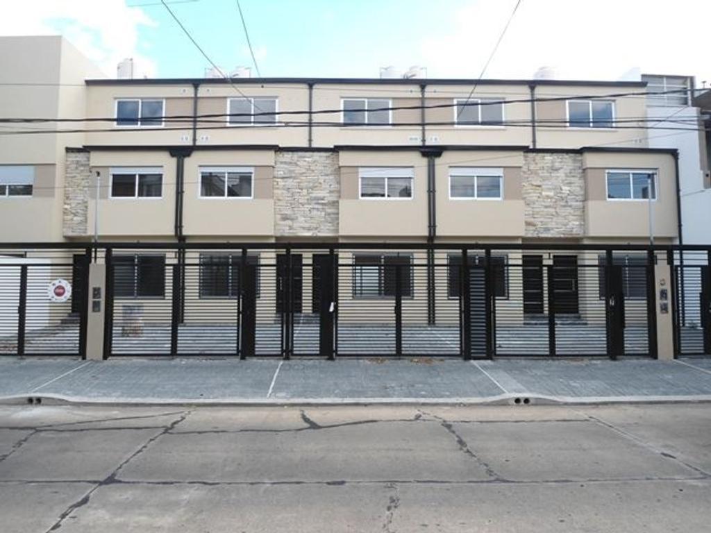 Duplex 5 ambientes a estrenar en Olivos - Excelente ubicación 1 cuadra Av. Maipú