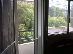 Dueño alquila departamento 2 ambientes + escritorio: Av. Las Heras 3700, 5º P. a la calle.2 AA, DVH,
