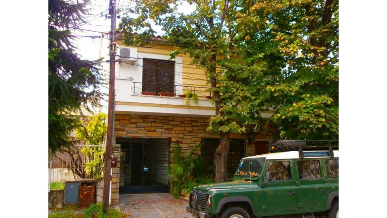 Casa en Venta de 4 ambientes en Buenos Aires, Pdo. de Moron, Castelar, Castelar Sur