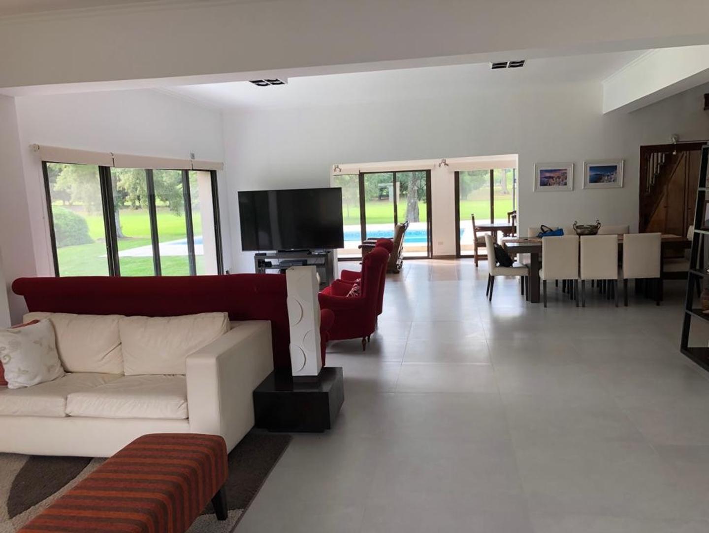 Casa en Venta en Indio Cua Golf Club - 5 ambientes