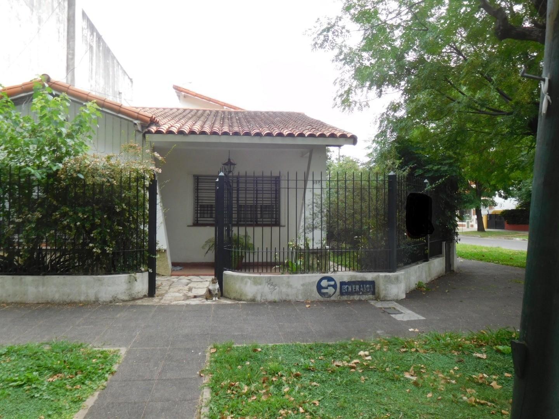 Casa en Venta en Temperley - 4 ambientes