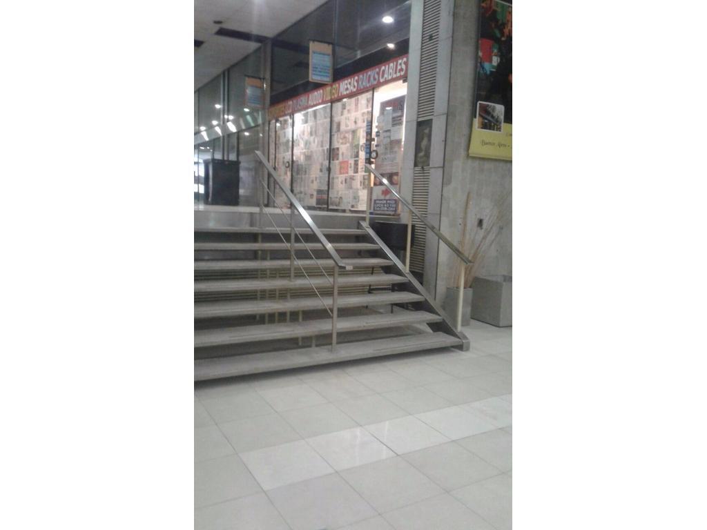 Dos locales en Galeria Corrientes Angosta
