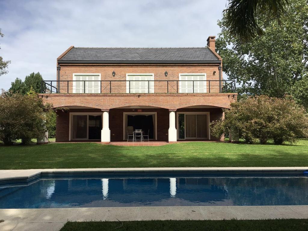 Casa en venta en Las Lomadas