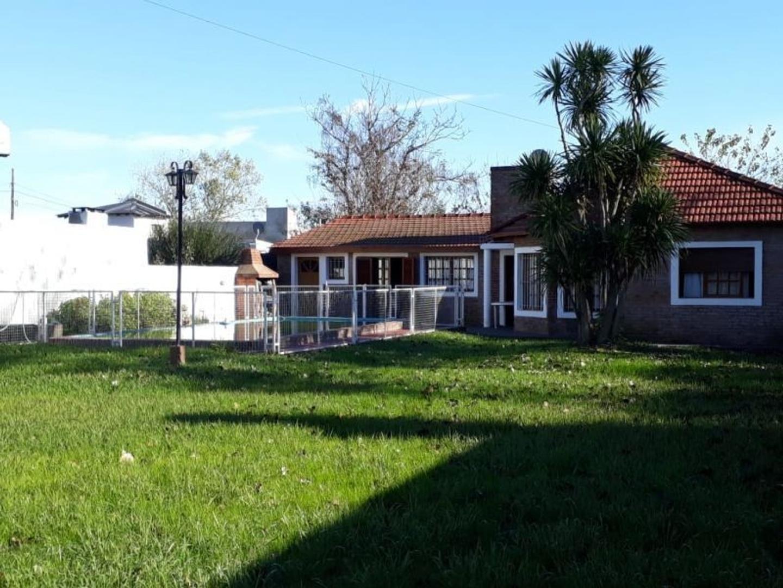 Casa en Venta en Villa Elvira - 3 ambientes