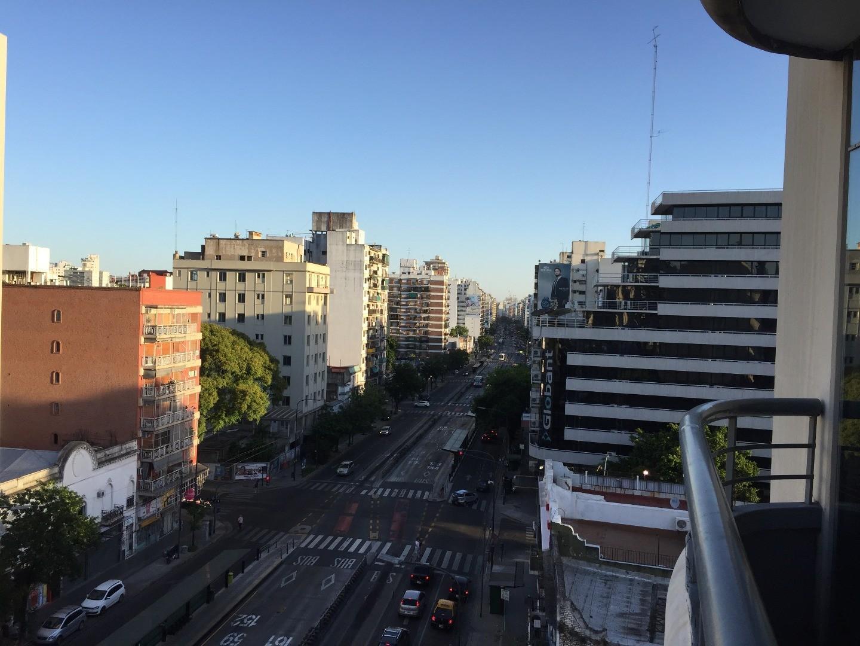 Alquiler dos ambientes con balcón