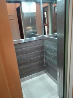 Vendo Semipiso excelente estado 95mts 4 ambientes, 3 dormitorios o dep, 2 baños, balcón al frente,