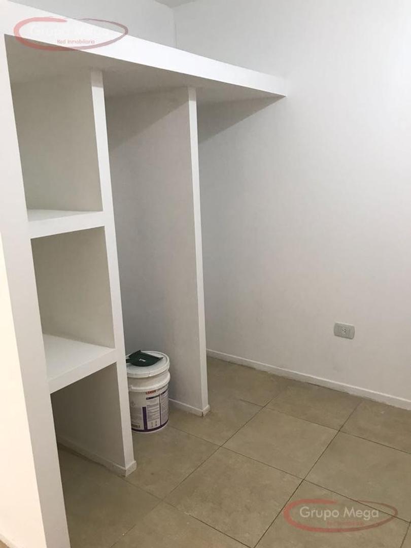 Av B Rivadavia 9500, Piso 1