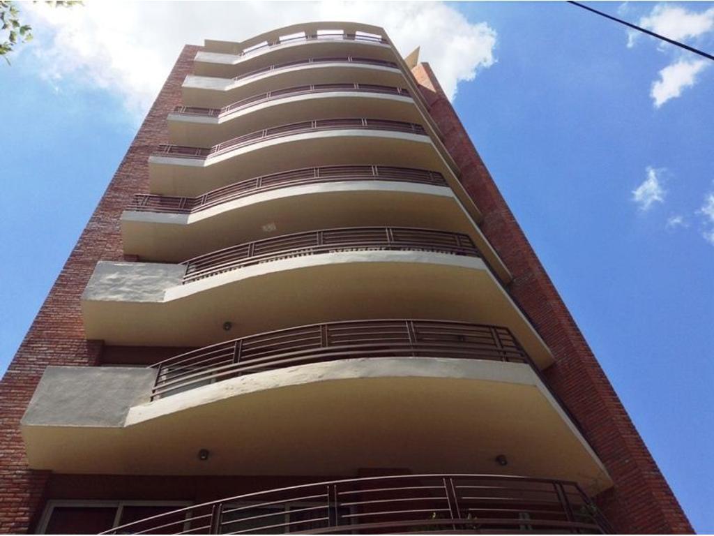 Departamento de 4 ambientes en Monte Grande. Edificio SM47.