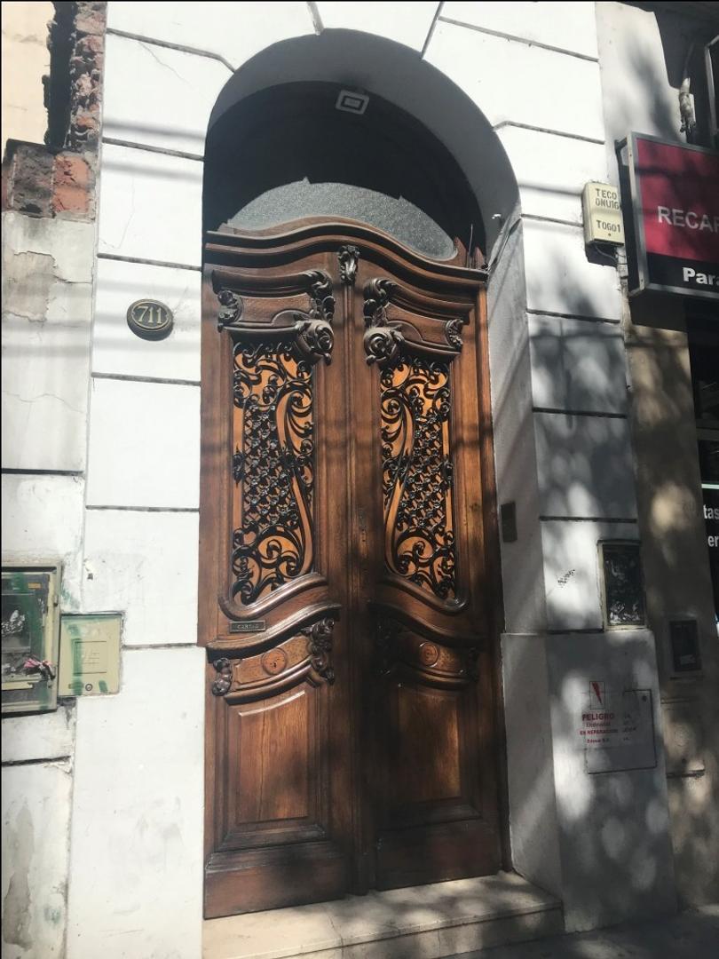 Oficina en Alquiler en San Nicolás - 8 ambientes