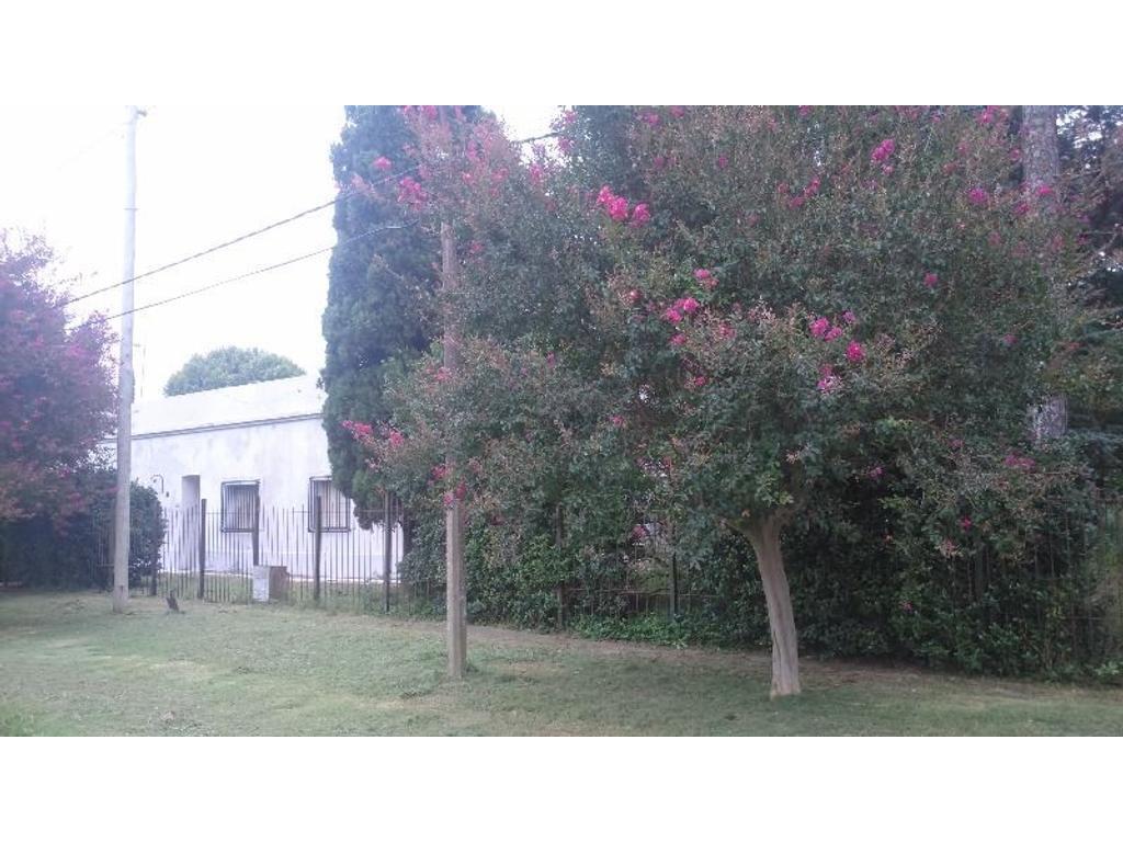 Casa con gran terreno en Uranga