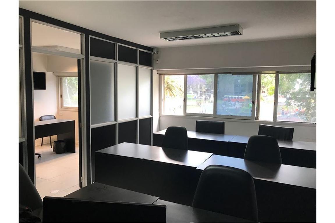 Oficina 4 ambientes en Plaza Congreso