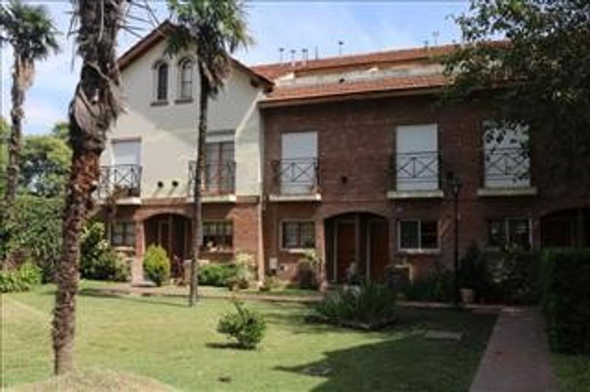 Departamento tipo casa en Venta de 4 ambientes en Buenos Aires, Pdo. de San Miguel, San Miguel, Centro