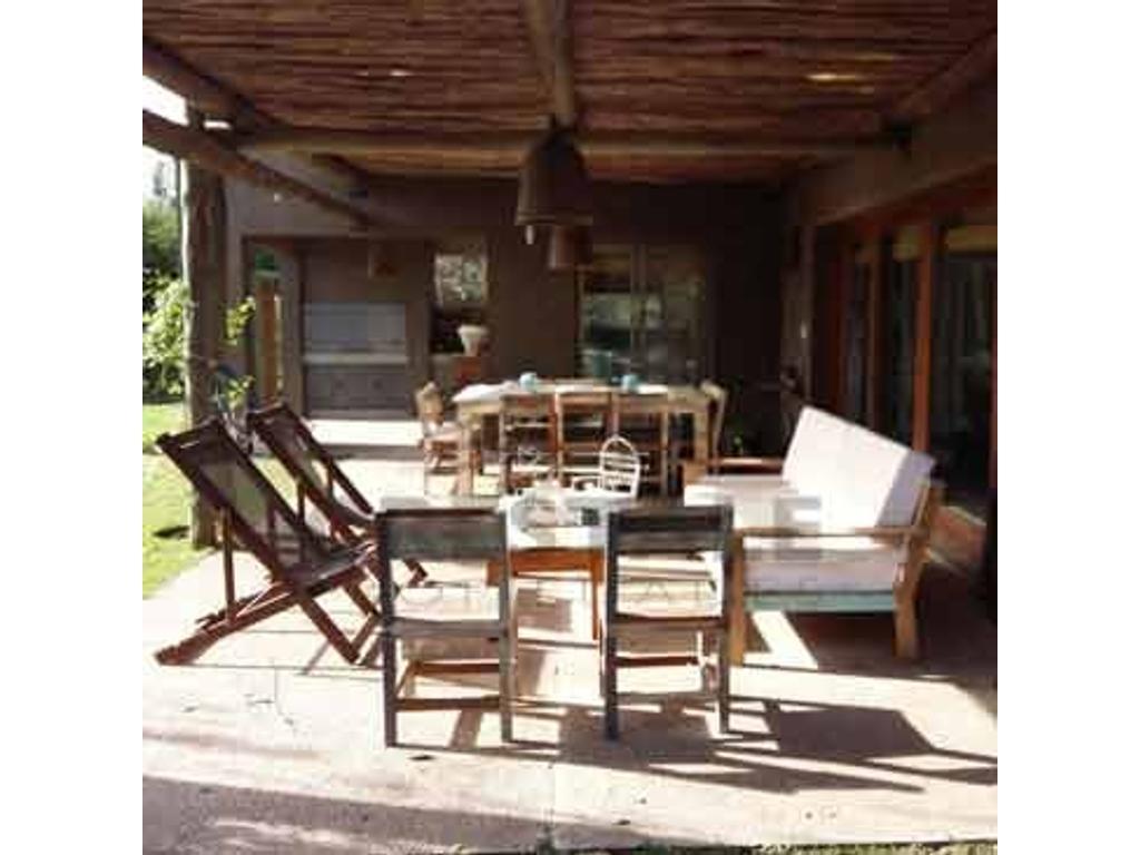 Puerto Roldán - Casa 3 dormitorios a la venta