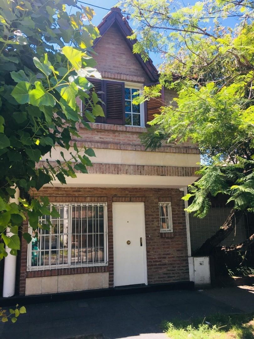 Casa en Venta en Villa Sarmiento - 3 ambientes