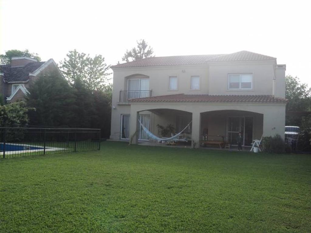 Venta de Casa en Barrio Cerrado Saint Matthews zona Pilar, Gran Bs.As., Argentina.