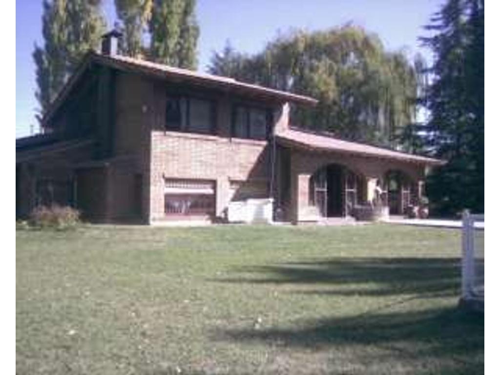 Casa con Cabaña en Pedriel