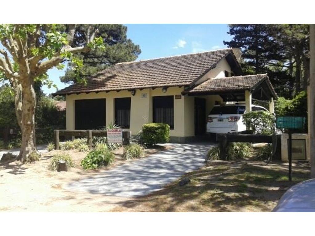 Casa en Venta, Villa Gesell, Barrio Norte, excelente ubicacion y estado