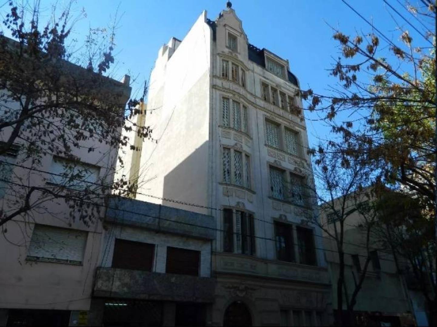 SEMIPISO DE CATEGORÍA, 158 M2 | VENEZUELA 2100