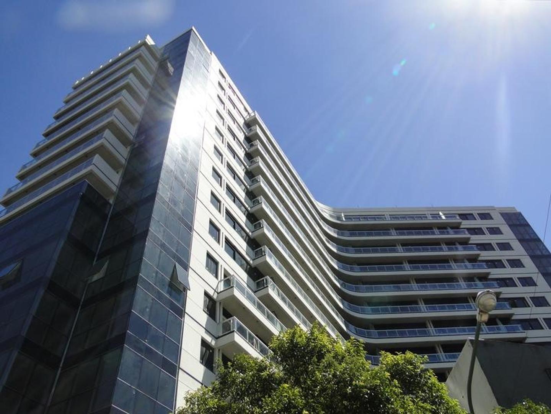 Excelente depto 3 amb en Edificio PREMIUM de Mario Roberto Alvarez  sobre Av Libertador con vista Ri