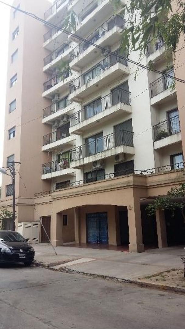 Local con excelente ubicación en Ezeiza, a metros de la municipalidad!