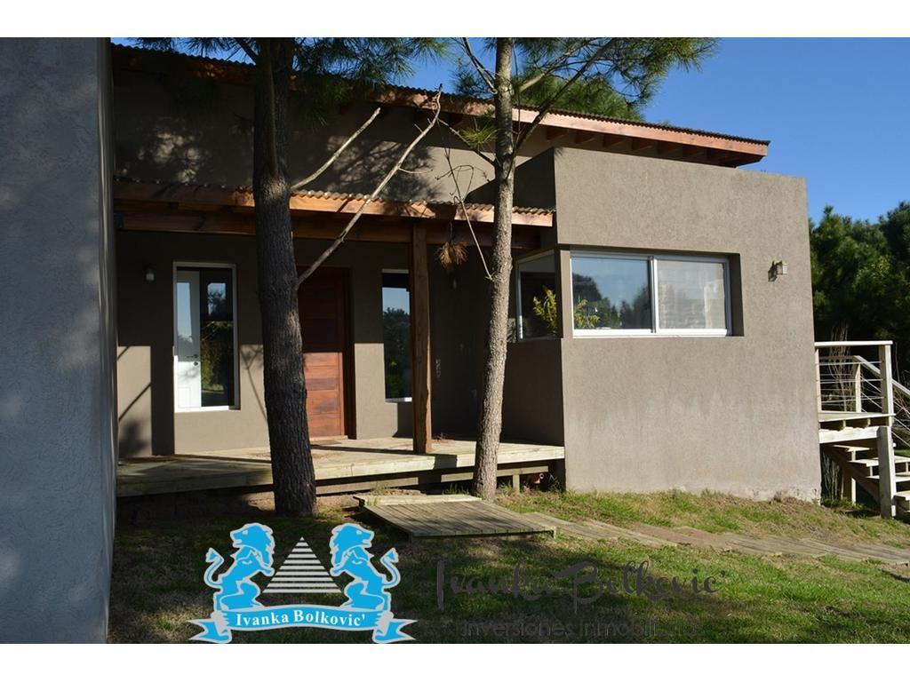 Casa  En Loma Barrio Residencial I ....jardin Con  Pinos !!!