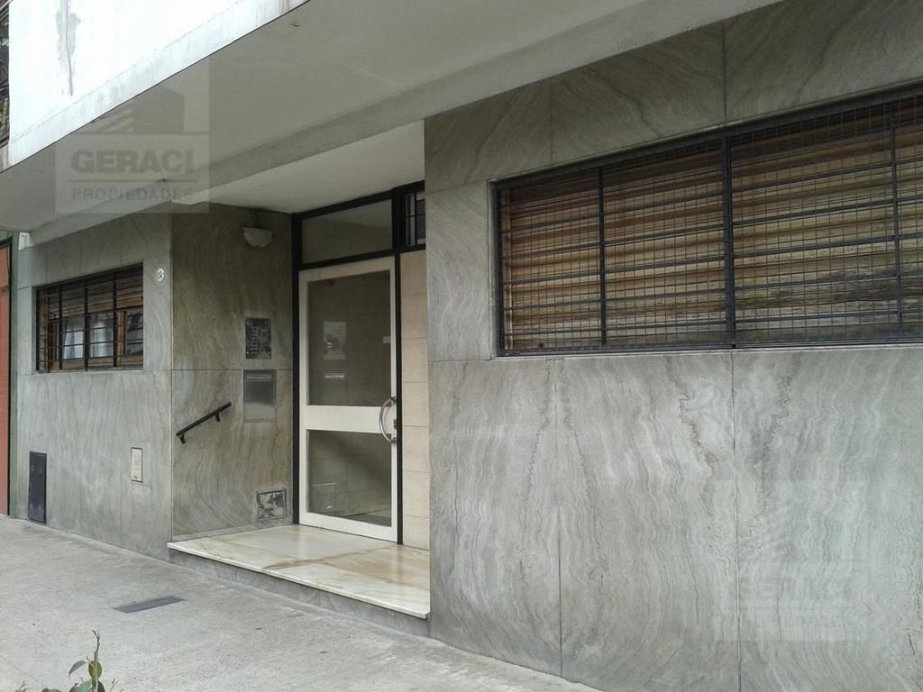 Departamento En Venta En Yerbal 1114 Pb A Entre Espinosa Y  # Muebles Paysandu