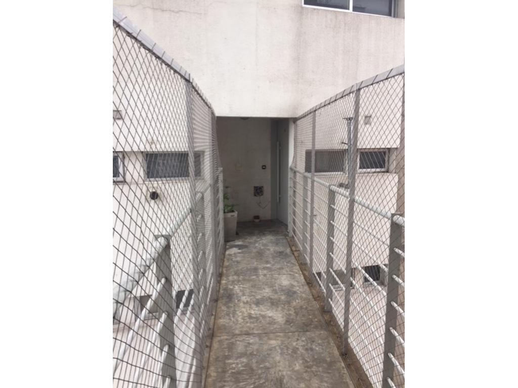 Departamento de categoria con garage en San Martin