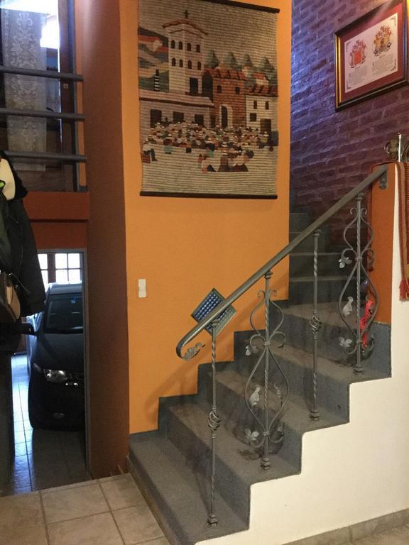 Vendo Casa en Alta Barda, 4 dorm, 3 Baños, Quincho, apta credito.