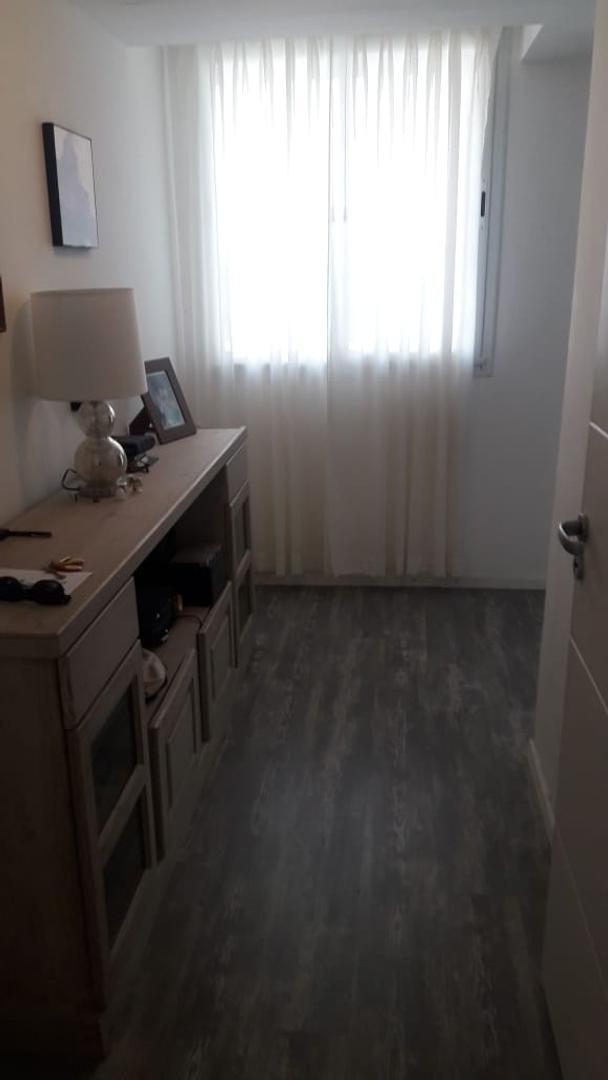 Departamento - 1 dormitorio   8 años   Lateral