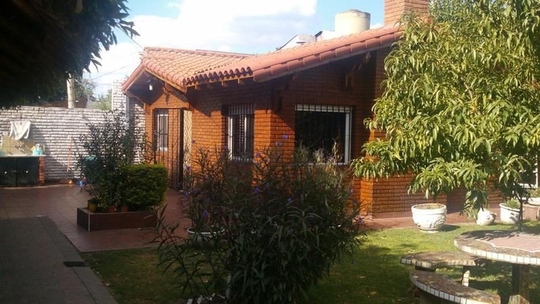 Casa quinta - excelente ubicacion - Esteban Echeverria