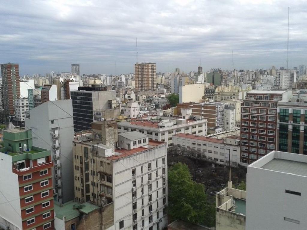 Oficina en alquiler en venezuela 110 san telmo argenprop for Oficinas en alquiler