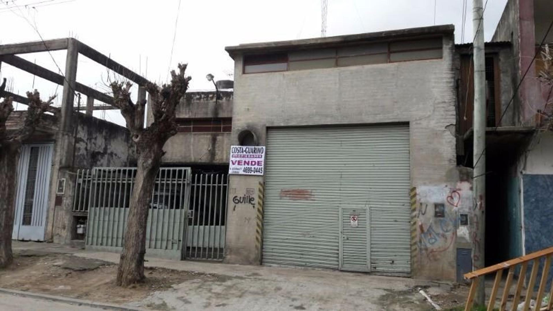 GALPÓN DE 400 M2 EN ZONA INDUSTRIAL, EXCELENTE UBICACION CON 2 OFICINAS, PATIO Y DEPÓSITO