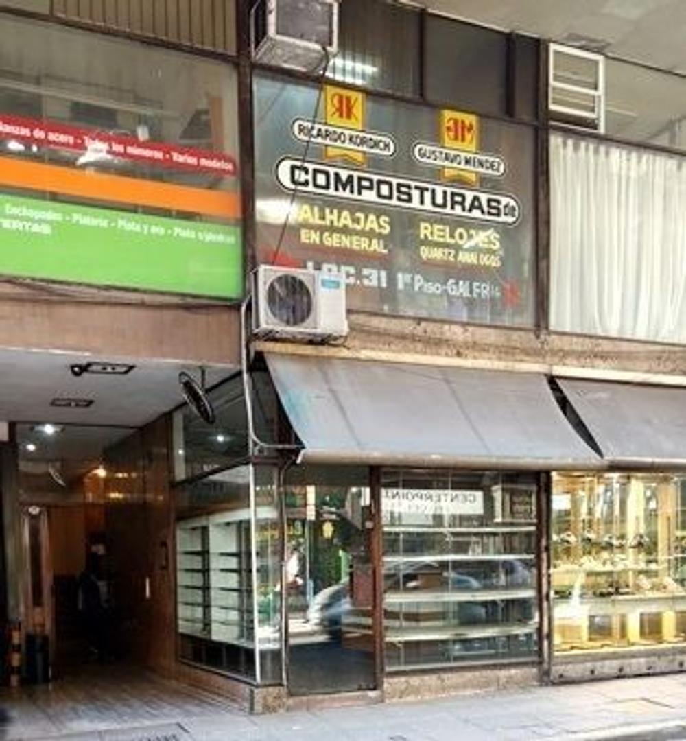 venta local calle libertad y corrientes 3.20 x 7.00 con 6 metros de vidriera (3 fte + 3 lat)