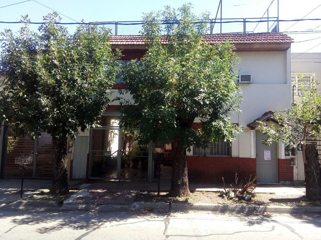 Excelente PH Planta Alta con patio y balcon