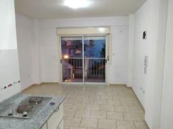 Muy buen monoambiente 3º piso al frente con balcón en Neuquén esquina Dr. Ceraso, Sáenz Peña.