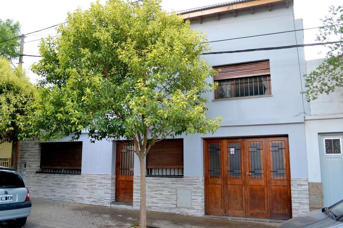 Casa  en venta Rosario  Arroyito Jardín, Quincho.