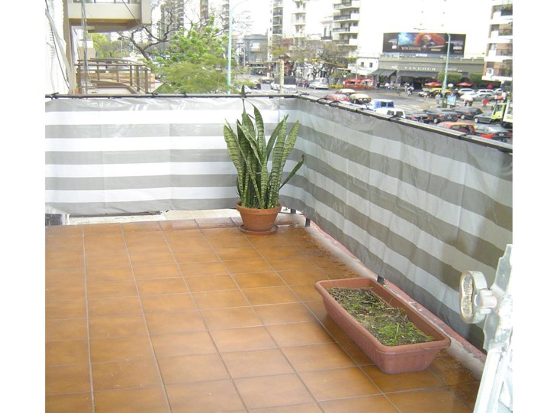 Av Cabildo 1500 - 4 Ambientes al frente C/balcón, patio y cochera - Belgrano