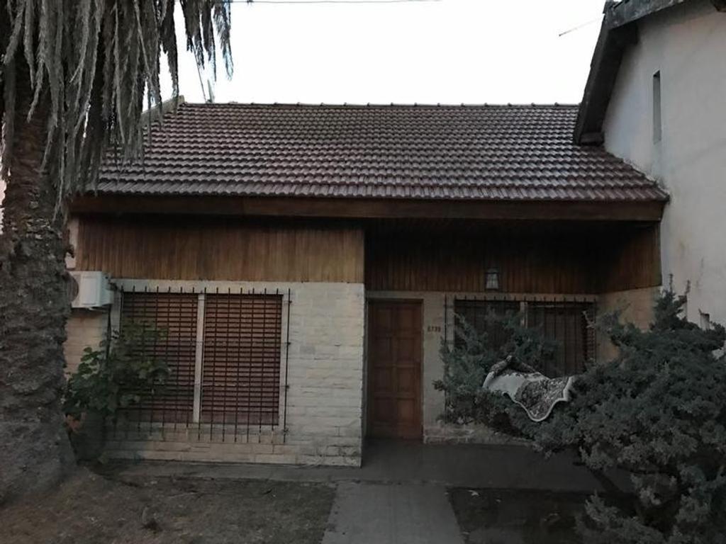 Casa  Quinta / Chalet  en   Laferrere Bajo costo!