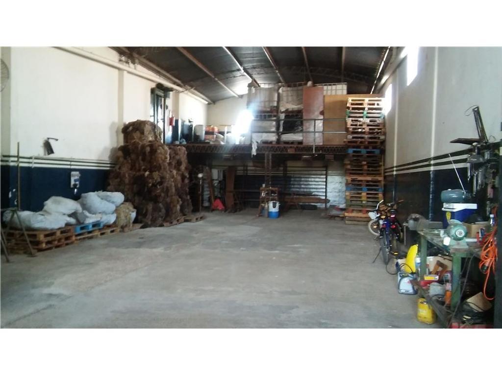 Galpón/Depósito con oficinas en alquiler