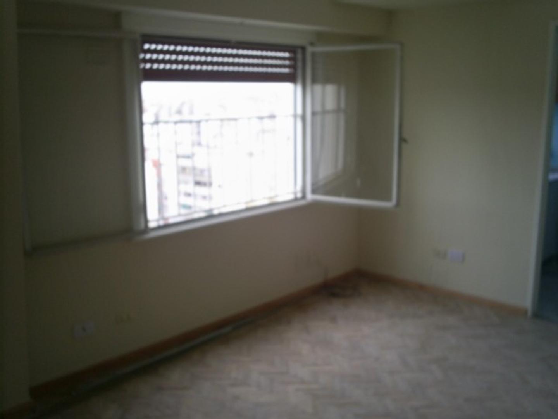 Departamento de 2 ambientes muy luminoso en alquiler.