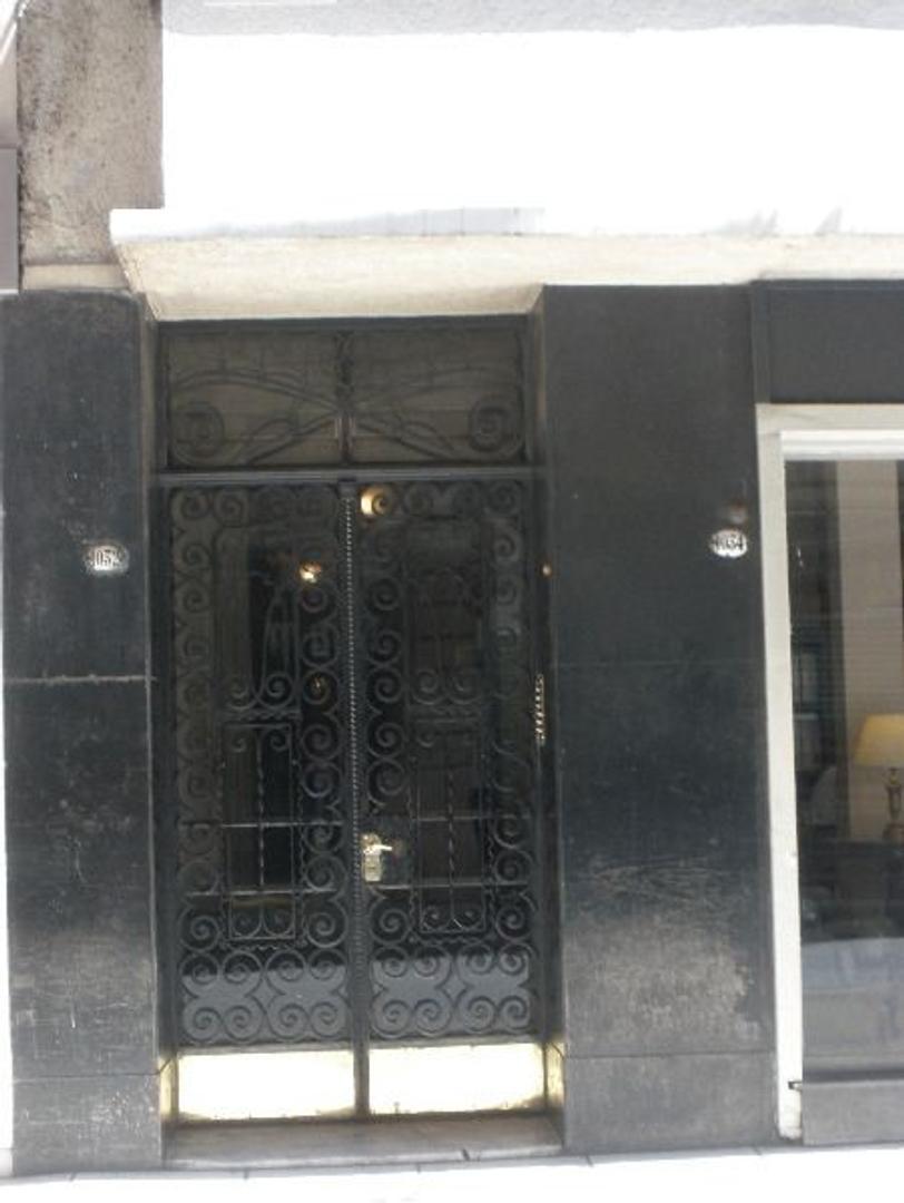 Venta de semipiso al frente ideal consultorio, oficina o vivienda