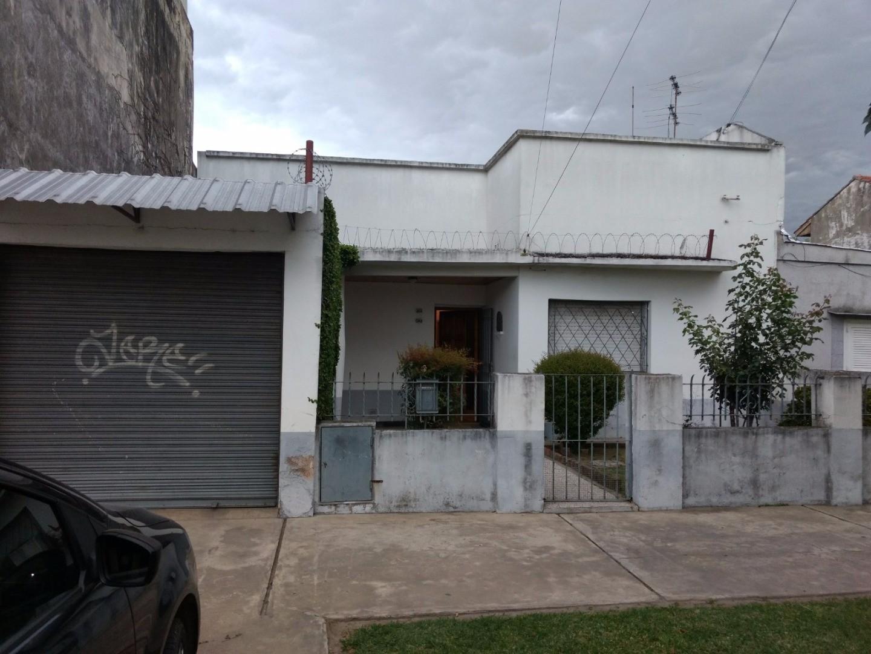 Casa en Venta en Quilmes Oeste - 4 ambientes
